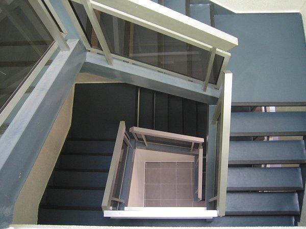 Amso sp cialiste de l 39 am nagement d 39 espaces de travail - Amenagement cage d escalier ...