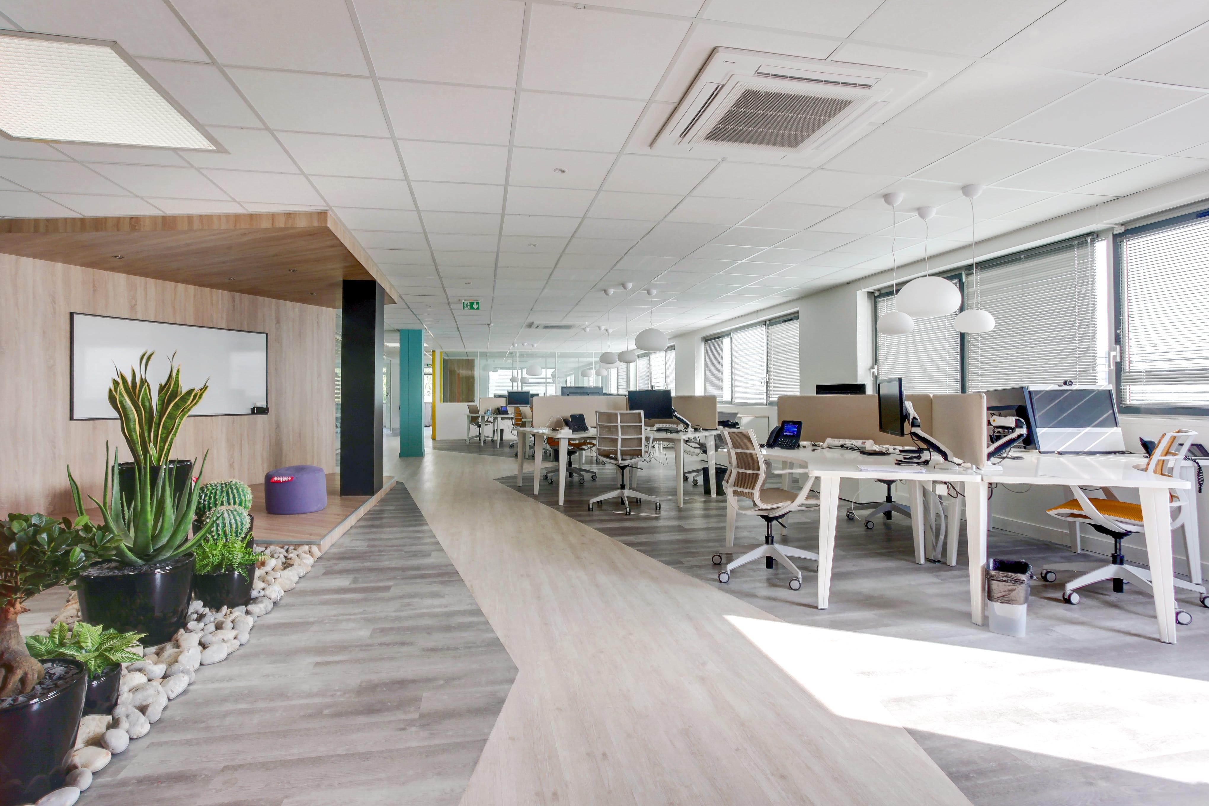 Aménagement bureau en entreprise : l\'expertise d\'AMSO