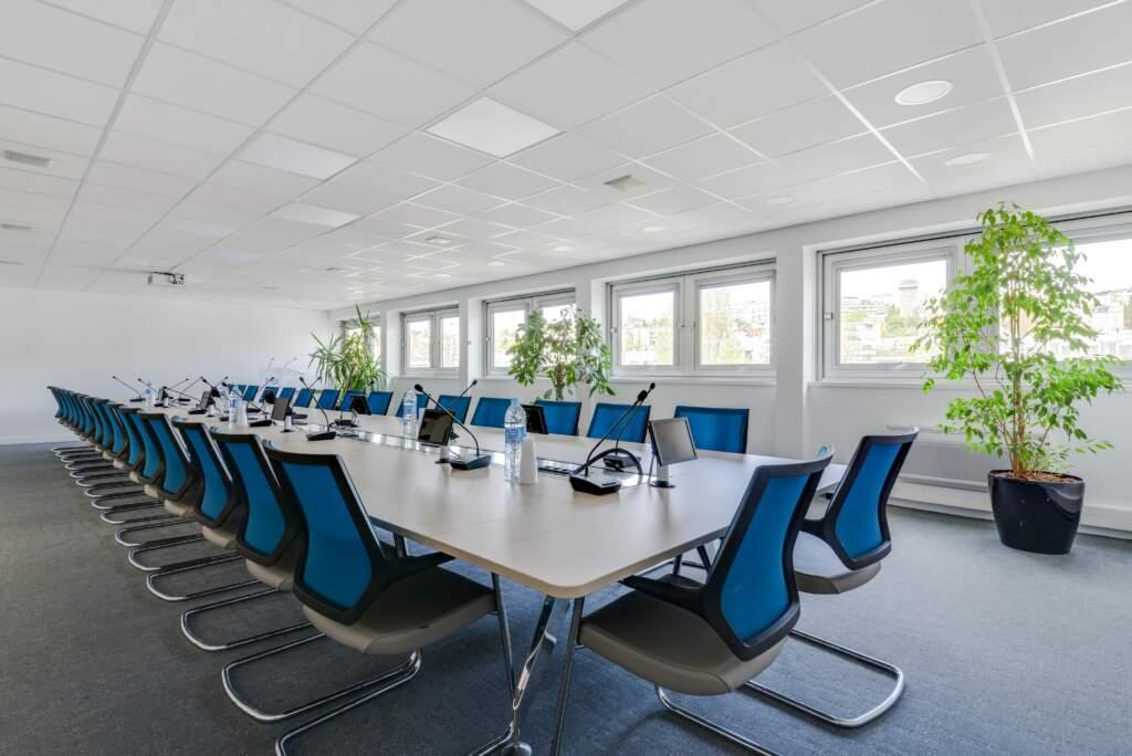 Rénovation de plateaux de bureaux à Surennes