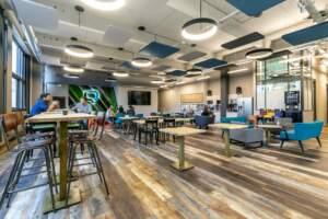 Réalisation de l'aménagement d'une cafétéria et des open space d'une société de jeu vidéo