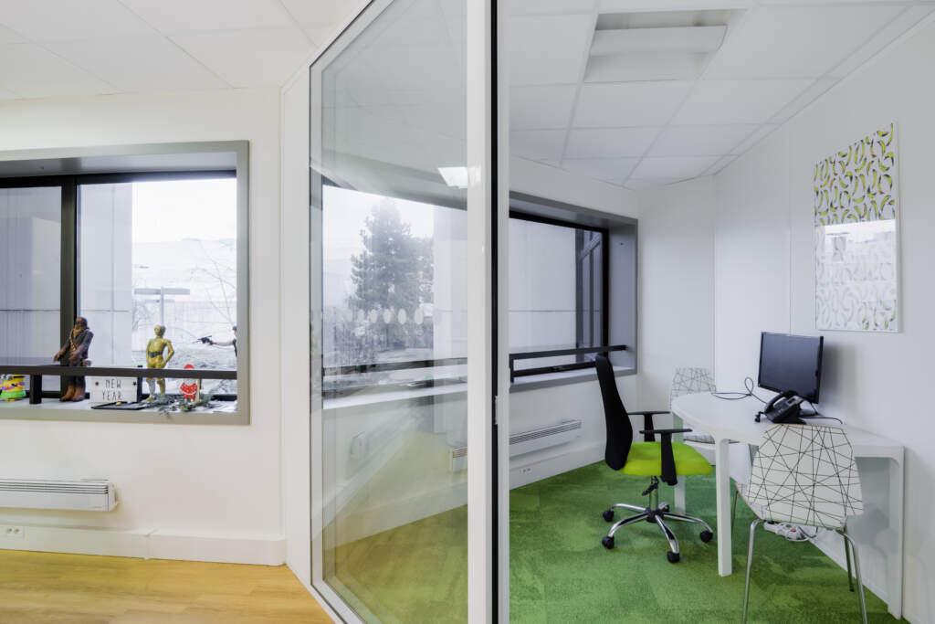 cloisonnement plateau bureaux versailles 006 1024x683 - Cloisonnement d'un plateau de bureaux et mobiliers
