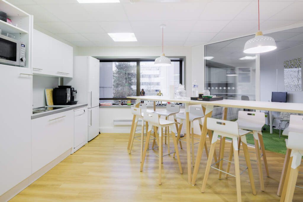 cloisonnement plateau bureaux versailles 007 1024x683 - Cloisonnement d'un plateau de bureaux et mobiliers