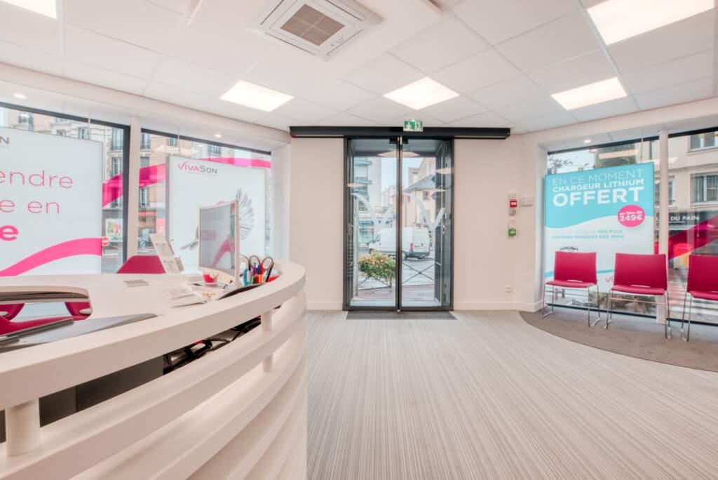 creation magasin correction auditive 011 1024x684 - Aménagement centre audioprothésiste - boutique de correction auditive