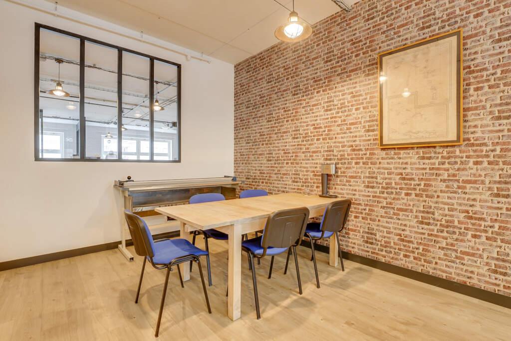 renovation bureau montreuil 005 1024x683 - Aménagement d'une maison d'édition