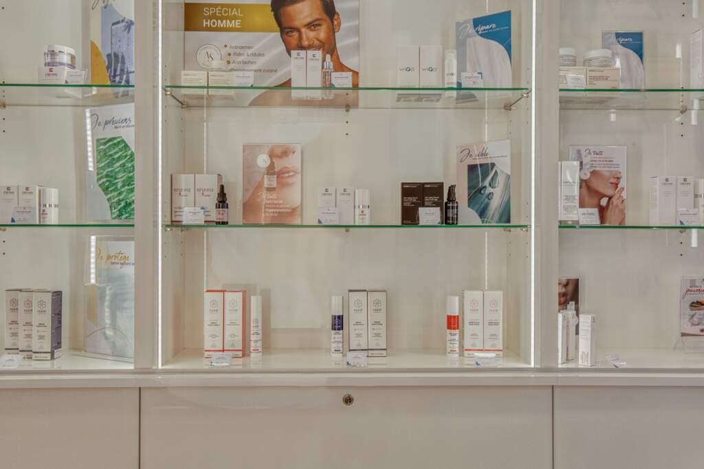 amenagement boutique esthetique medicale 2 1024x682 - Aménagement d'un commerce de produits d'esthétique médicale
