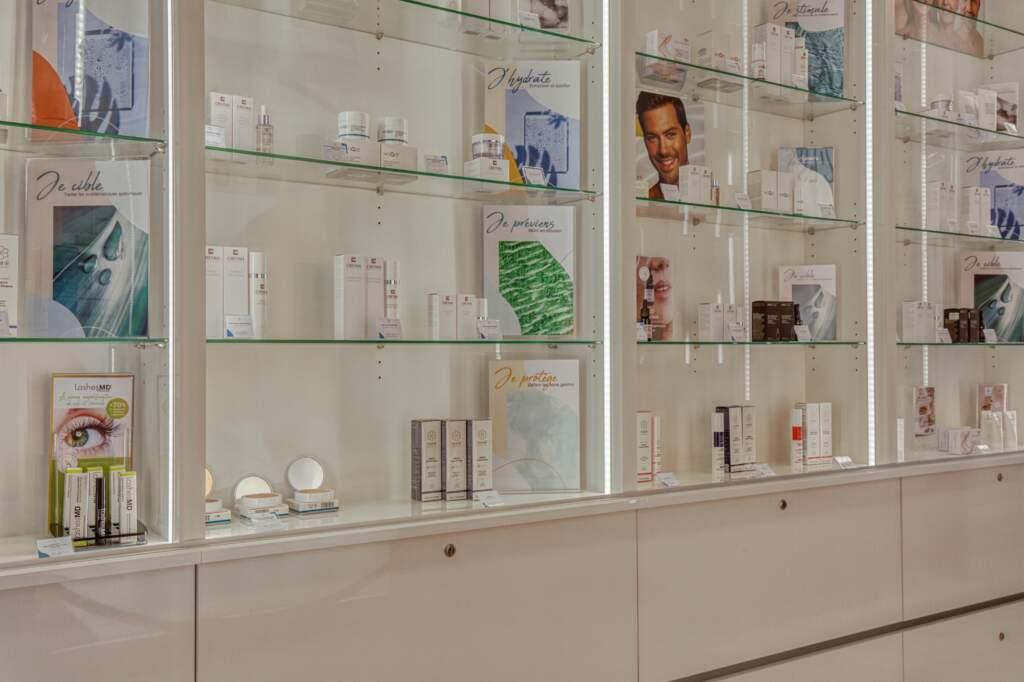 amenagement boutique esthetique medicale 9 1024x682 - Aménagement d'un commerce de produits d'esthétique médicale