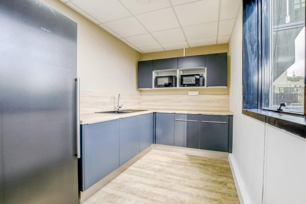 amenagement cabinet de conseil levallois perret 6 1024x682 - Aménagement bureau cabinet de conseil Levallois