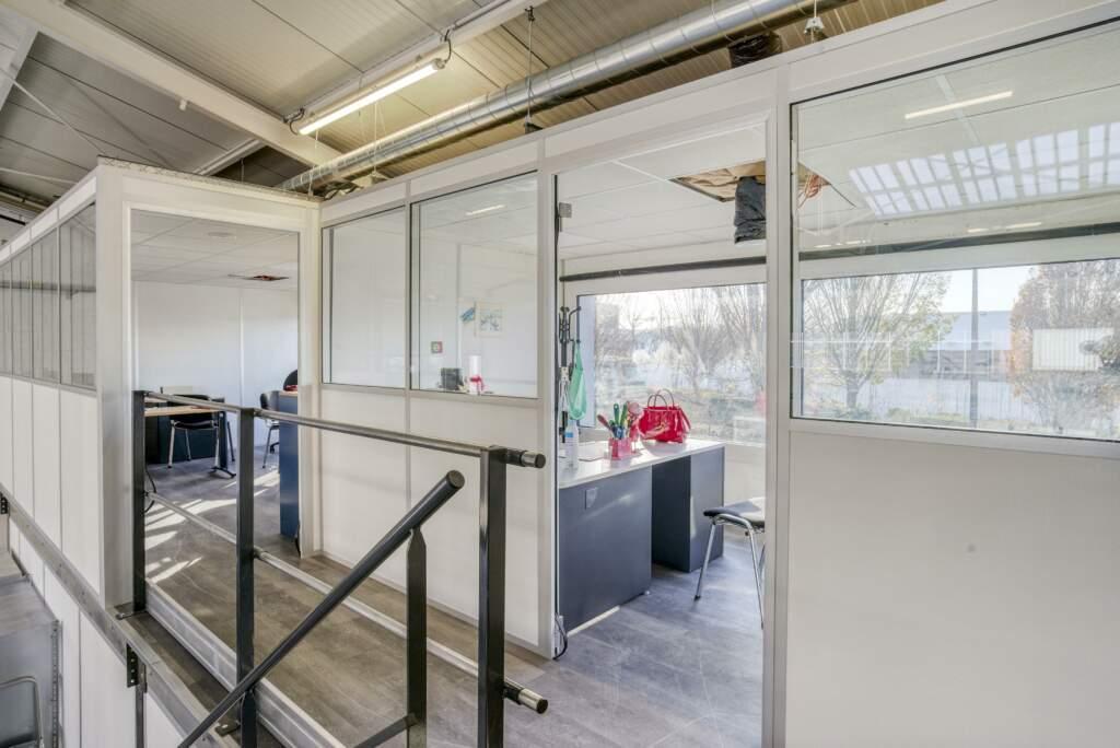 amenagement mezzanine batiment industriel 10 1024x684 - Création mezzanine et bureau dans bâtiment industriel
