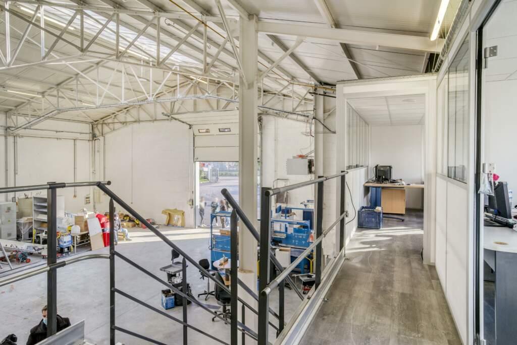 amenagement mezzanine batiment industriel 12 1024x684 - Création mezzanine et bureau dans bâtiment industriel