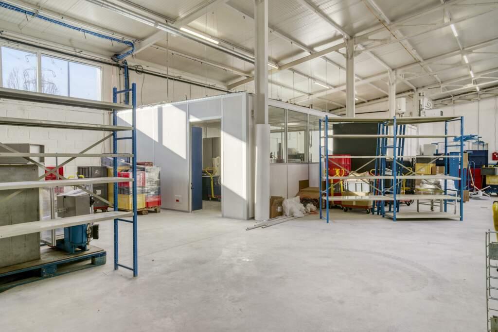 amenagement mezzanine batiment industriel 2 1024x684 - Création mezzanine et bureau dans bâtiment industriel