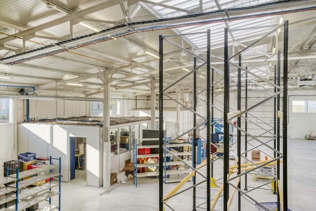 amenagement mezzanine batiment industriel 3 1024x684 - Création mezzanine et bureau dans bâtiment industriel