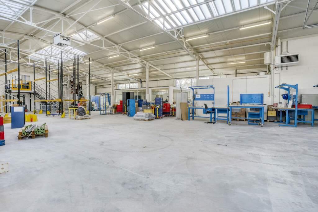 amenagement mezzanine batiment industriel 4 1024x684 - Création mezzanine et bureau dans bâtiment industriel