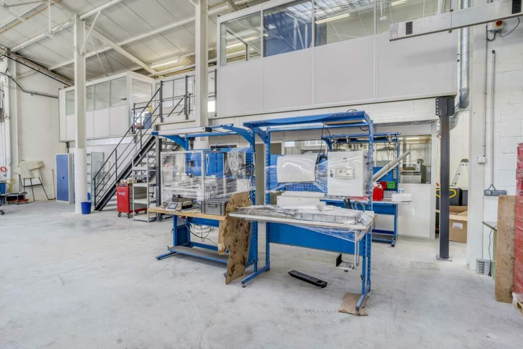 amenagement mezzanine batiment industriel 6 1024x684 - Création mezzanine et bureau dans bâtiment industriel
