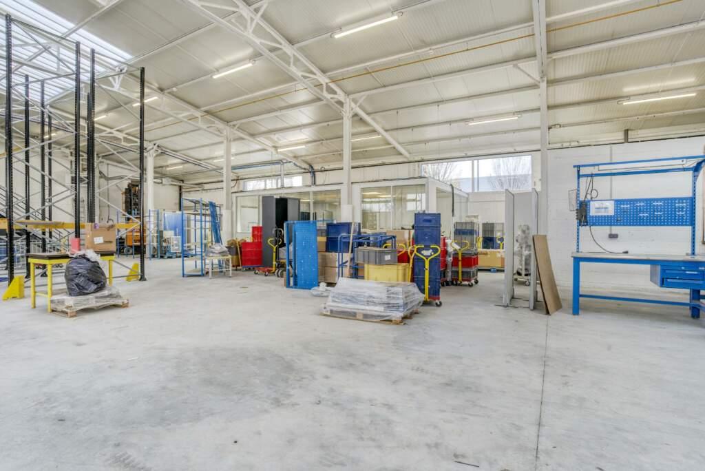 amenagement mezzanine batiment industriel 8 1024x684 - Création mezzanine et bureau dans bâtiment industriel