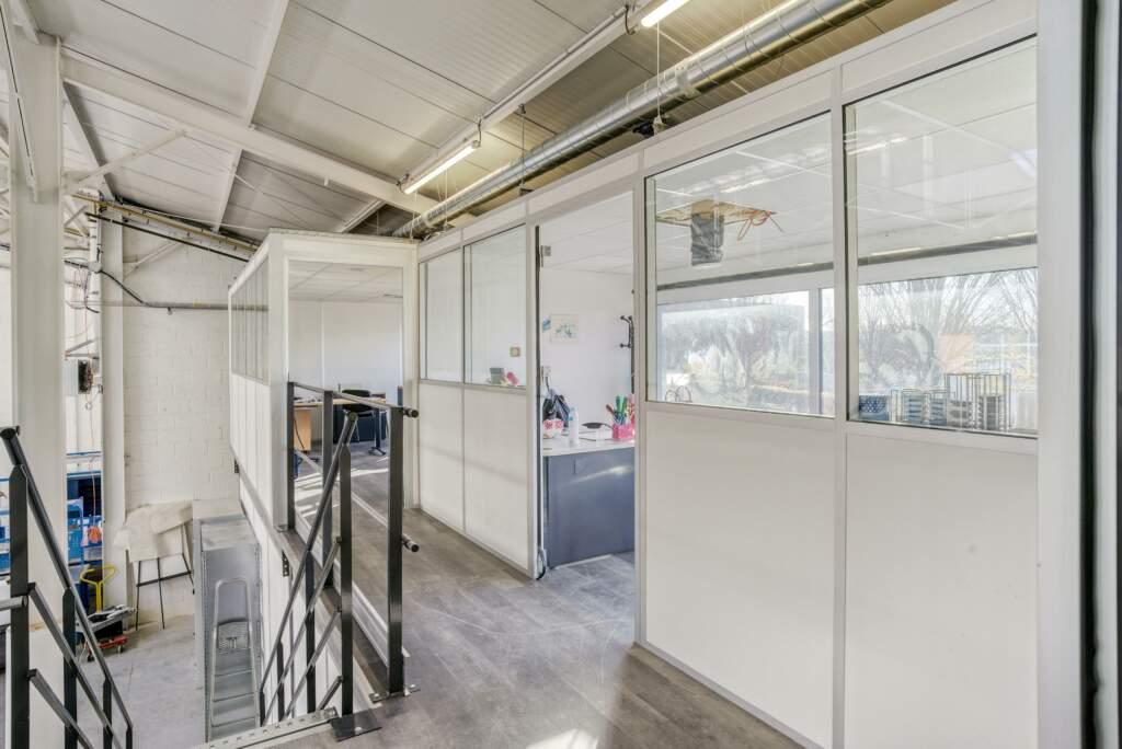 amenagement mezzanine batiment industriel 9 1024x684 - Création mezzanine et bureau dans bâtiment industriel