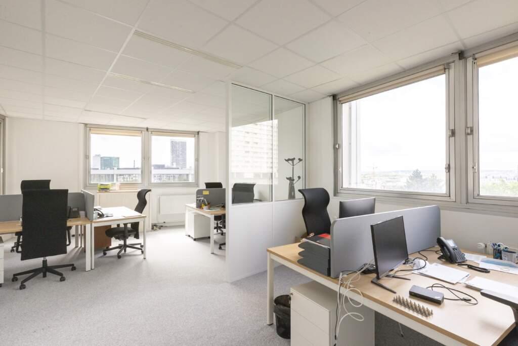 amenagement bureau la defense 10 1024x683 - Aménagement de bureaux dans un immeuble IGH à La Défense