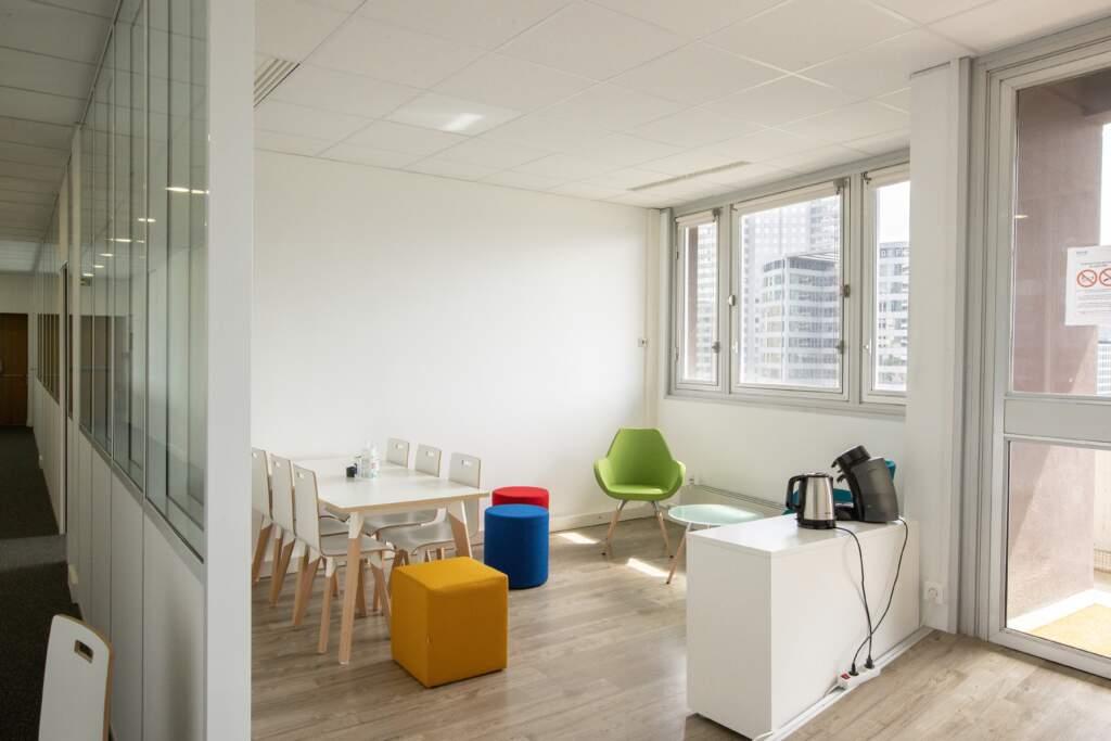 amenagement bureau la defense 6 1024x683 - Aménagement de bureaux dans un immeuble IGH à La Défense