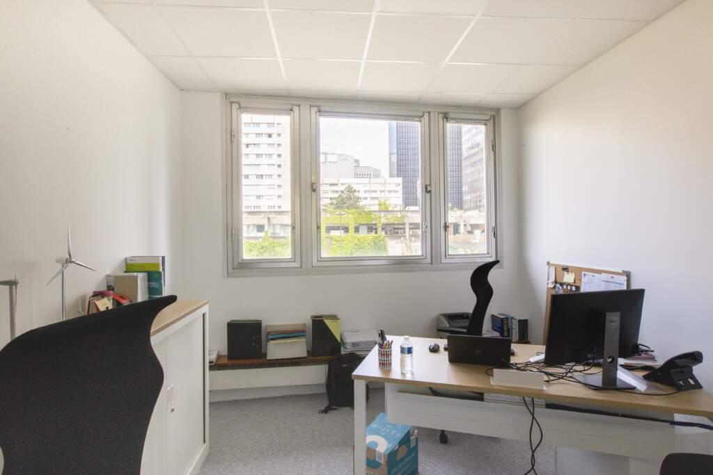 amenagement bureau la defense 9 1024x683 - Aménagement de bureaux dans un immeuble IGH à La Défense