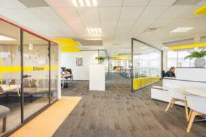 amenagement bureau design paris ouest 8 300x200 - Aménagement bureau flex office