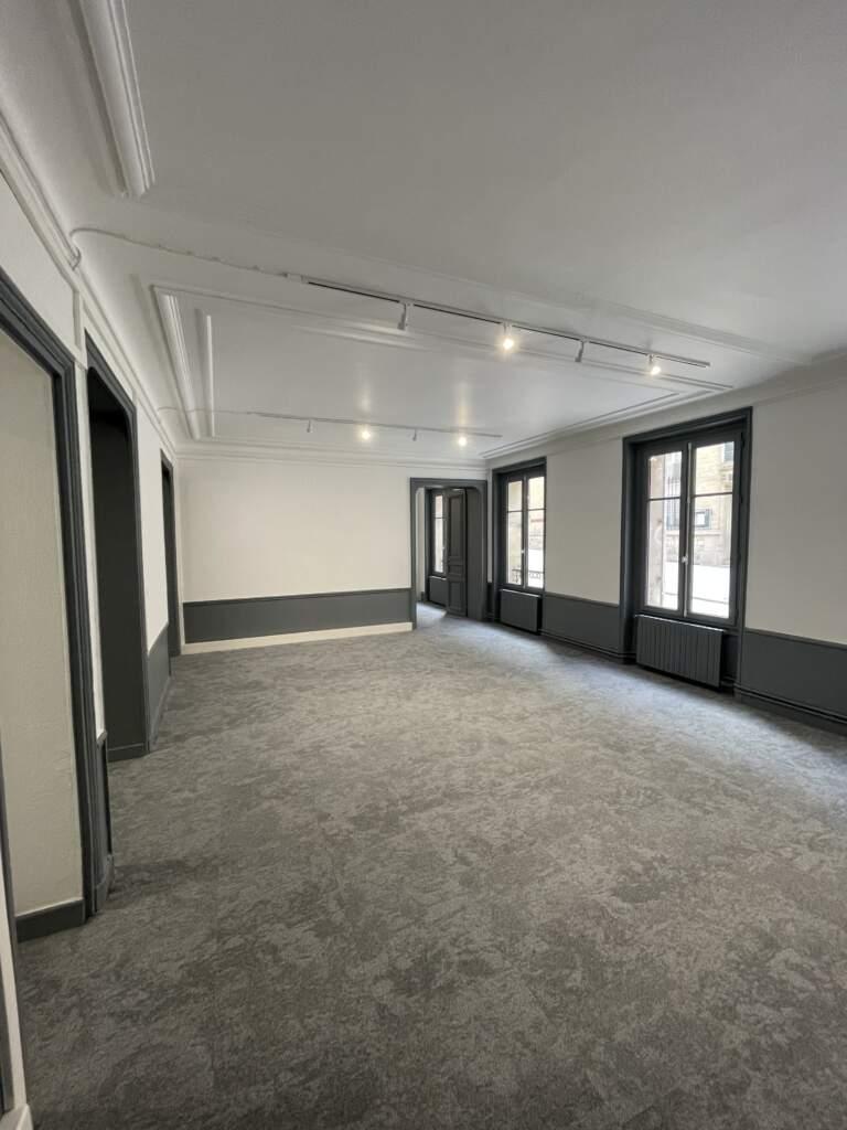 renovation bureau paris 8eme 1 768x1024 - Rénovation de bureaux à Paris 8ème